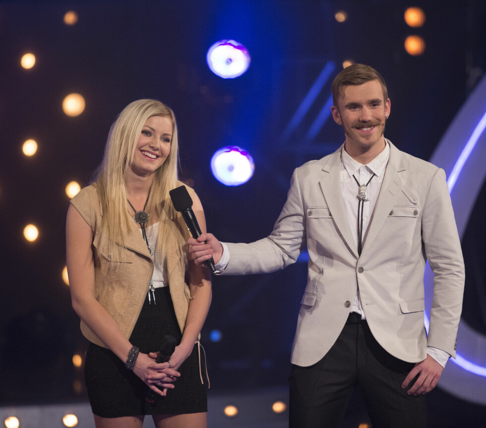 """KARRIEREN PÅ TOPP: 25-åringen fikk braksuksess etter """"Idol"""". Her under sending sammen med artist Astrid Smeplass.  Foto: Werner Juvik"""