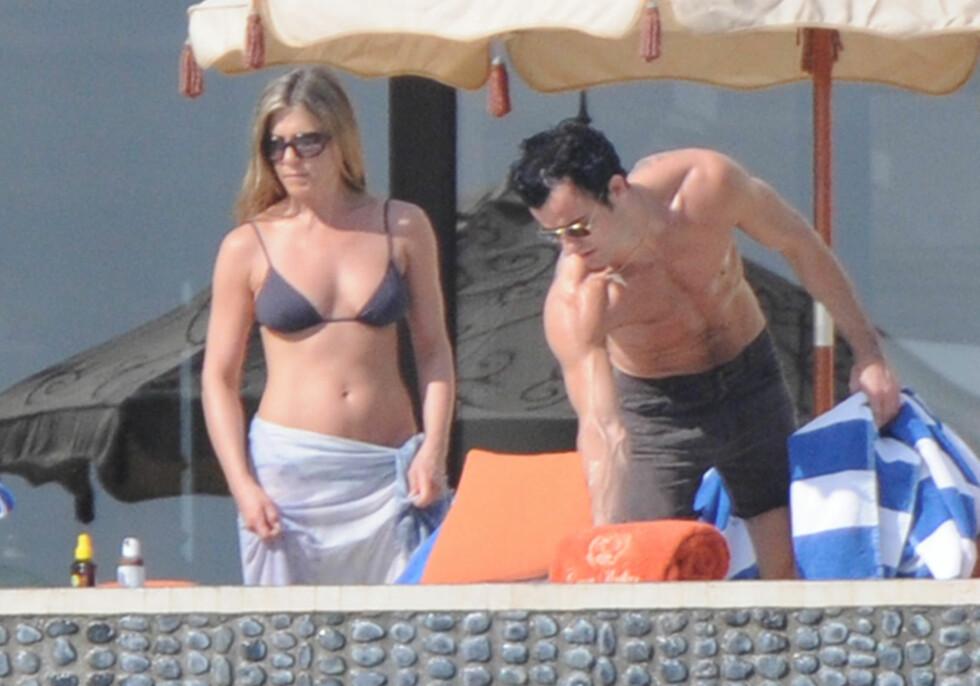ELSKER SOL OG SOMMER: Her koser Jennifer og Justin seg på ferie i Cabo San Lucas for tre år siden. Foto: NTB Scanpix