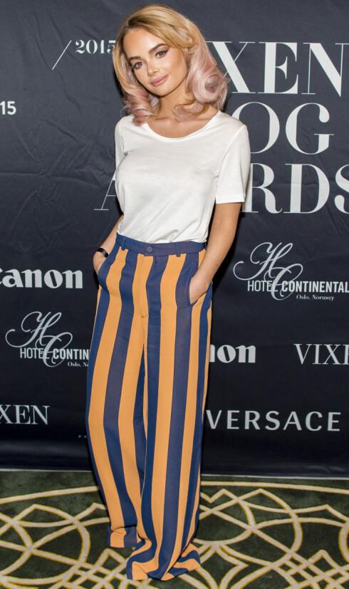 SMILER IGJEN: Blogger Sophie Elise Isachsen vant to priser under Vixen Blog Awards 2015 på Hotel Continental i Oslo fredag kveld. Foto: NTB Scanpix