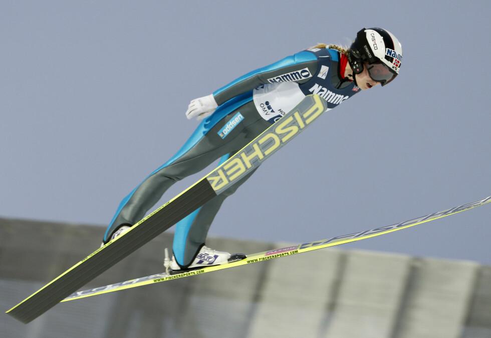 HOPPSTJERNE: Anette Sagen var i flere år en av Norges fremste kvinnelige skihoppere. Foto: NTB scanpix
