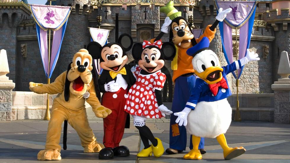 MORO FOR SMÅ OG STORE: Donald, Mikke og resten av gjengen fra Andeby ønsker velkommen til Disneyland. Foto: Scott Brinegar