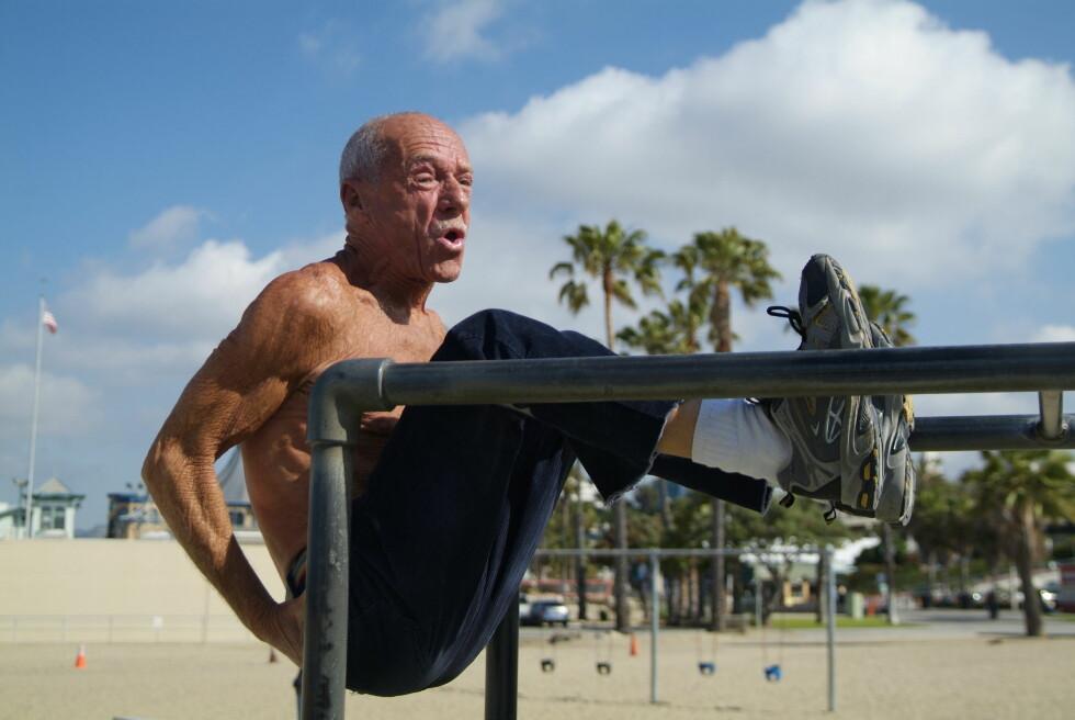 STRAND MED MYE RART: Venice Beach er et populært reisemål både for de som vil trene og de som vil  se på. Foto: Runar Larsen