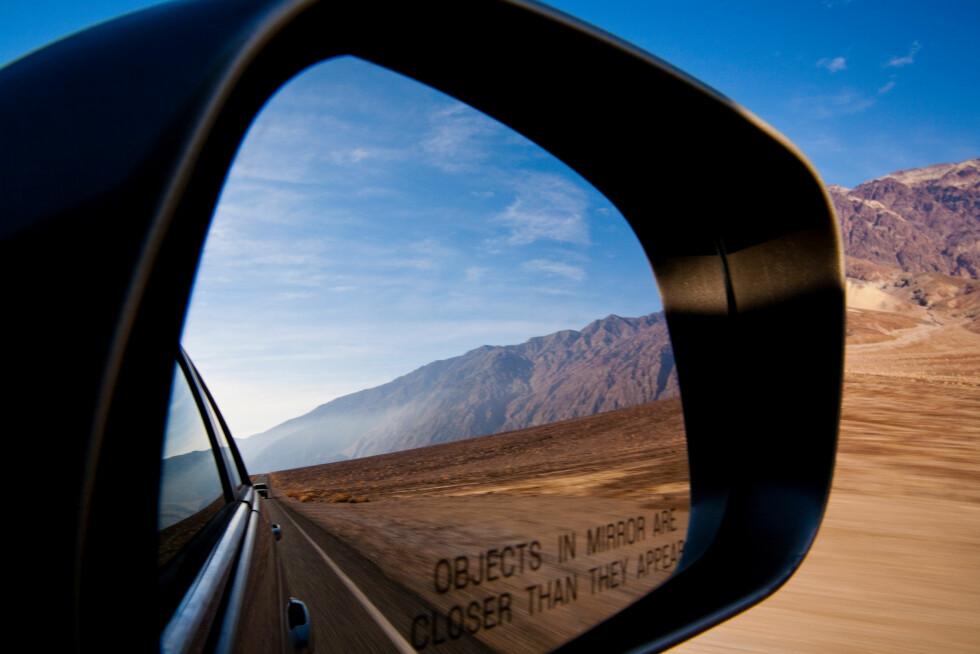 VAKKERT LANDSKAP: I Death Valley er det sanddyner, saltsletter, topper, canyoner og ødemark som får fotoapparatet til å gå varmt.