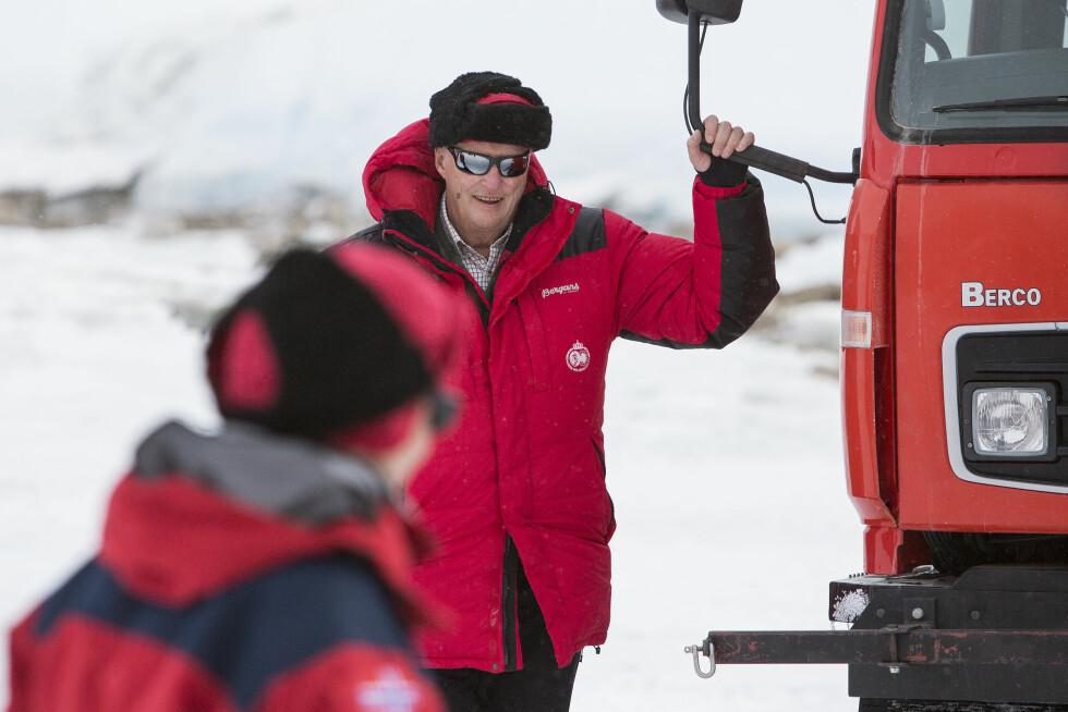 KONGEN PÅ SYDPOLEN: I februar besøkte kong Harald forskningsstasjonen Troll på Sydpolen. Foto: NTB scanpix
