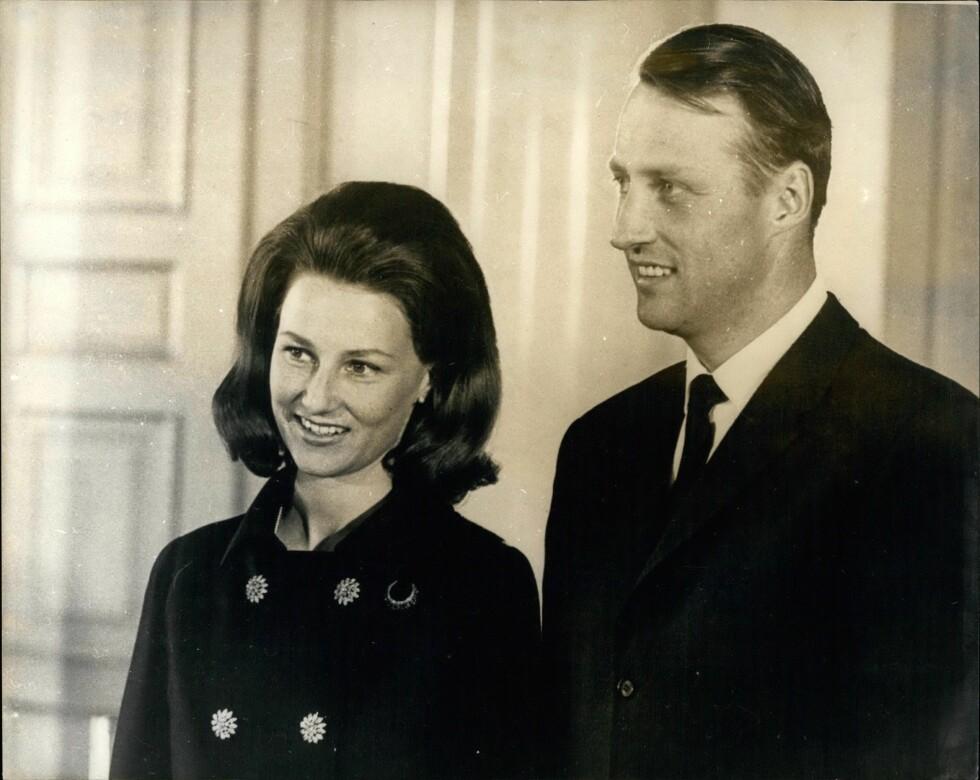 25 ÅR: I kveld feirer dronning Sonja og kong Harald 25 år som kongepar. Her er de i 1968. Foto: Zuma press
