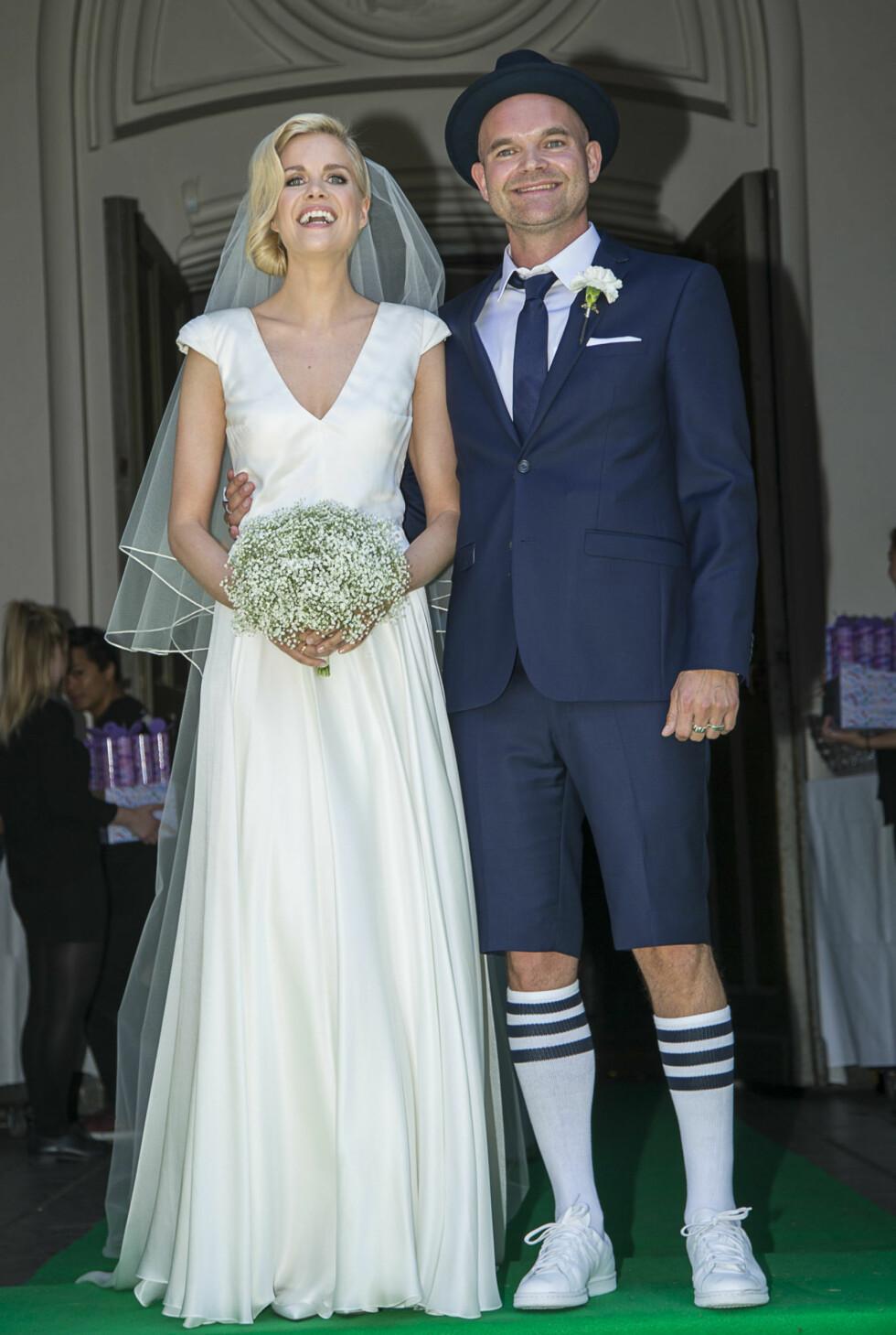 GIFT I SHORTS: Moods of Norway-gründer Simen Staalnacke var iført shorts og høye sokker da han sa ja til Anne Berit Valla i sommer.  Foto: Tor Lindseth