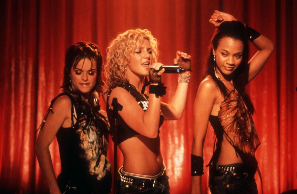 FILMKOLLEGER: Zoe Saldana og Britney Spears spilte sammen i dramakomedien «Crossroads» (2002). Her i en scene fra filmen sammen med Taryn Manning (t.v.), som i dag spiller i TV-suksessen «Orange is the New Black».  Foto: Mary Evans Picture