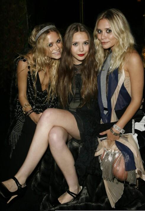 KJENT FAMILIE: De berømte skuespillertvillingene Mary-Kate og Ashley (29) Olsen er tre år eldre enn Elisabeth (i midten).  Foto: NTB scanpix
