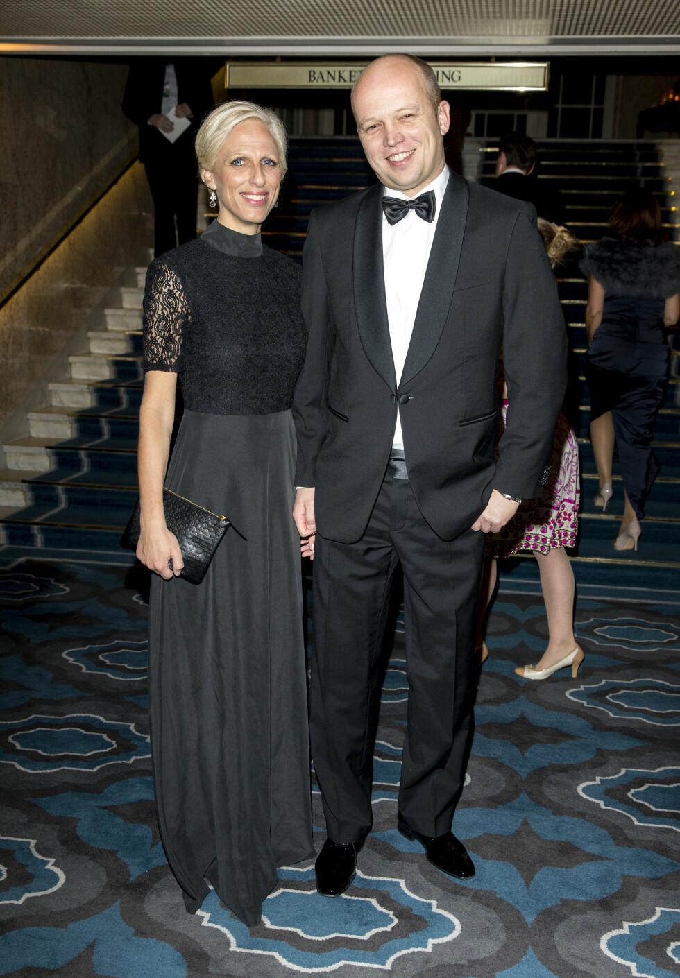 PÅ NOBELBANKETT: Senterpartiets leder Trygve Slagsvold Vedum og kona Margrethe. Foto: Andreas Fadum