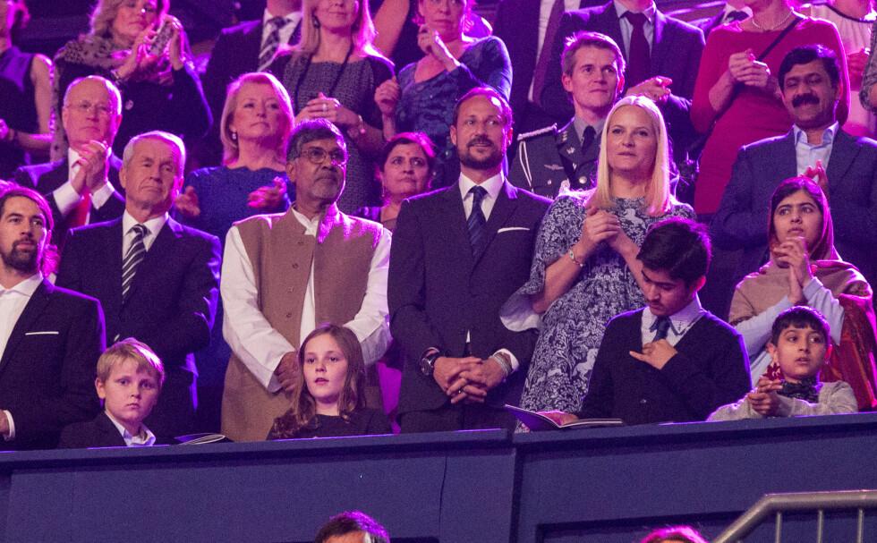 NOBELKONSERTEN: Prins Sverre Magnus og prinsesse Ingrid Alexandra ble i fjor for første gang med foreldrene på den store Nobelkonserten i Oslo Spektrum i desember 2014. Foto: Andreas Fadum