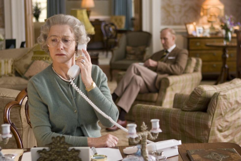 PRISBELØNT: Helen Mirren vant både en Oscar, en Golden Globe og en BAFTA for hovedrollen i «The Quuen» (bildet) i 2006. Foto: NTB Scanpix