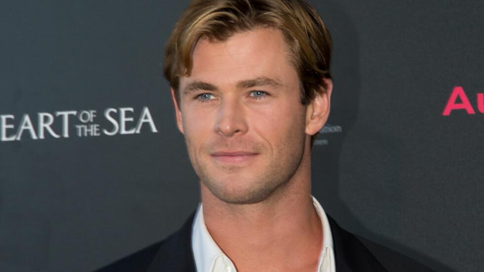 """KJEKKAS: Chris Hemsworth mistet mye vekt til rollen i filmen """"In The Heart of The Sea"""" som har premiere i desember.  Foto: Splash News"""