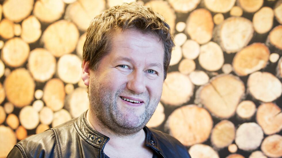 RØRT AV SEG SELV: Bjarne Brøndbo forteller at han kan felle en tåre av å høre seg selv synge. Foto: NTB scanpix