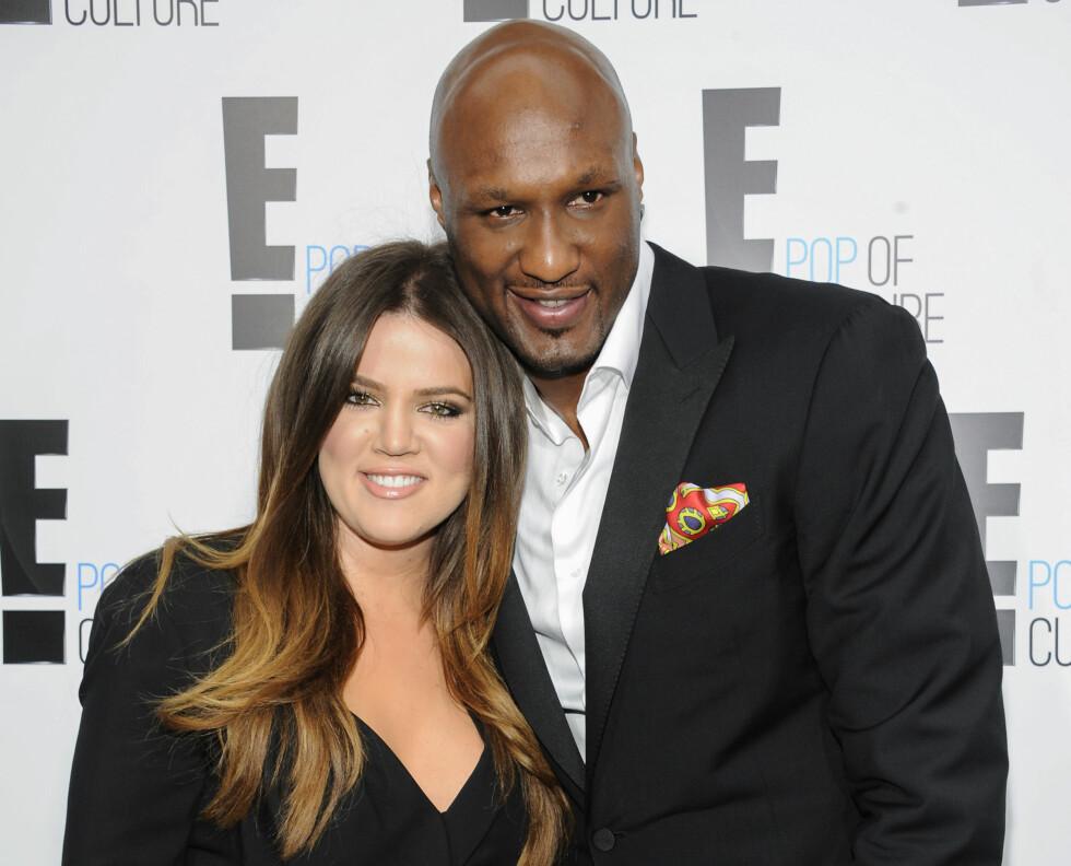STØTTER EKS-MANNEN: Lamar Odom og Khloe Kardashian giftet seg høsten 2009, men bare fire år senere var bruddet et faktum. Årsaken til skilsmissen var at Odom slet tungt med rusmisbruk og hadde vært utro med flere kvinner bak realitystjernens rygg.  Foto: Ap