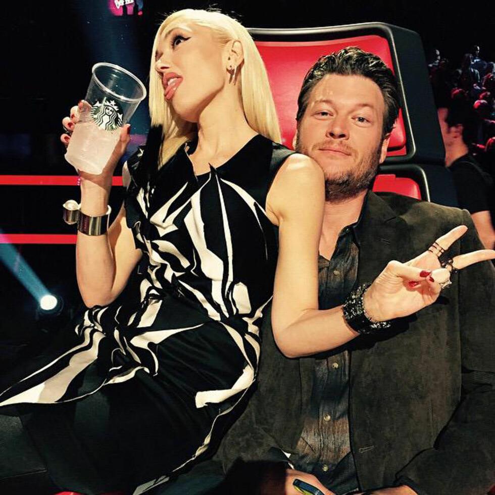 """SØTE KOLLEGER: Gwen Stefani og Blake Shelton er begge dommere i TV-programmet """"The Voice"""", og flere melder at de flørter og tuller under innspilling.  Foto: NTBscanpix"""