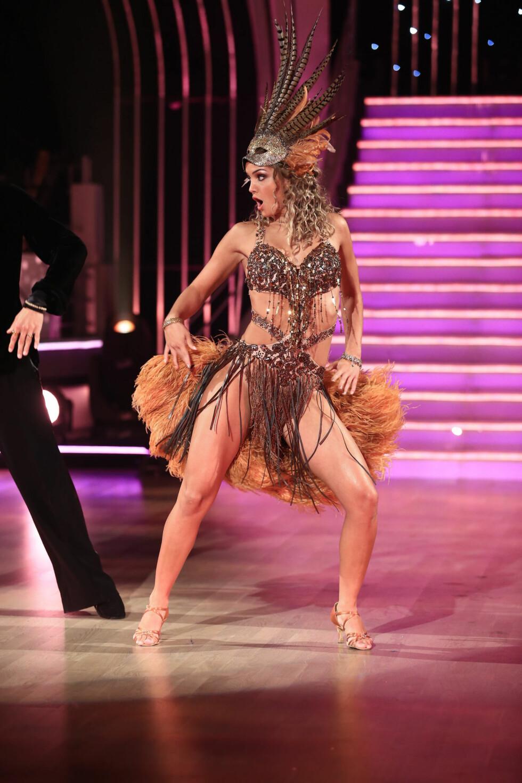 STERK UTFORDRER: Adelén har lenge vært en av favorittene i Skal vi danse. Lørdag har hun gode muligheter til å ta seg til finalen. Foto: Se og Hør