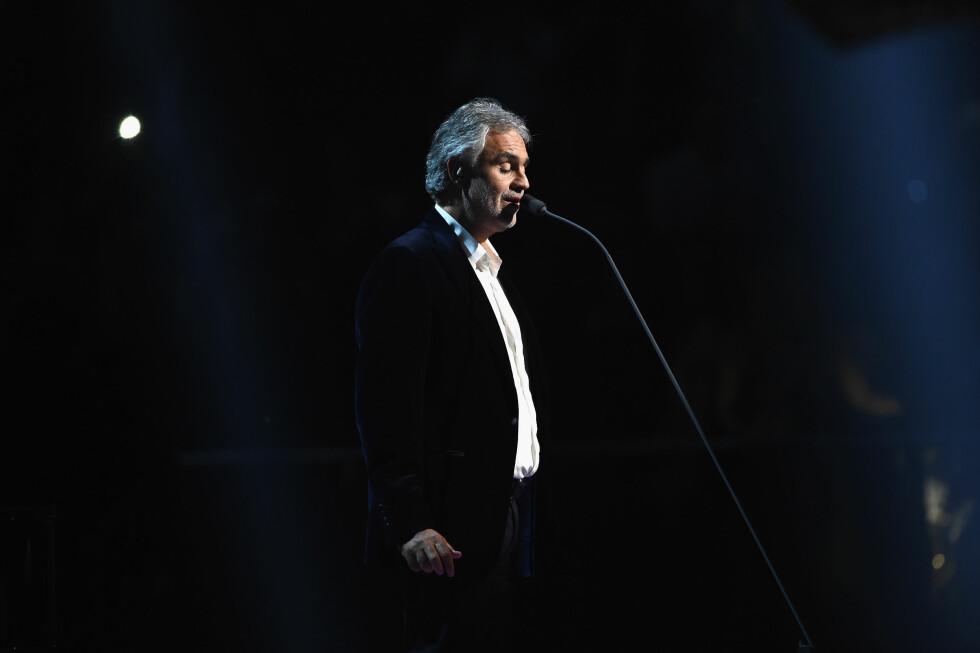 <strong>HØYDEPUNKT:</strong> Et av kveldens høydepunker var absolutt da Andrea Bocelli sang.  Foto: Getty Images for MTV