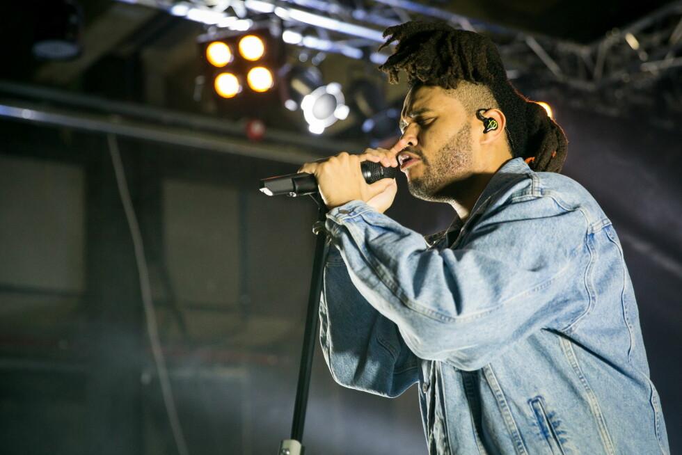 POPULÆR: Sangeren The Weeknd opptrådte for omtrent 1000 mennesker i Oslo for tre uker siden.  Foto: NTB scanpix