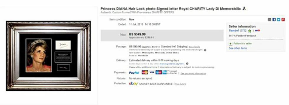 KJENDIS-AUKSJON: Den innrammede håret har en minstepris på 350 dollar noe som tilsvarer cirka 2300 kroner.