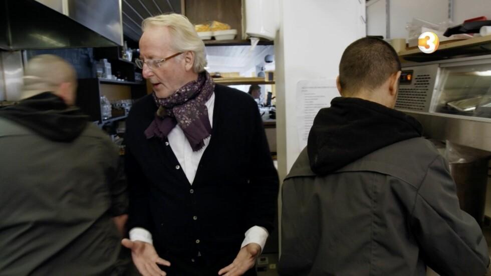 <strong>OPPGITT:</strong> Eyvind Hellstrøm legger ikke skjul på at han er skuffet over måten betjeningen på restauranten «Sherryhaugen» følger opp forslagene hans på. Foto: TV3