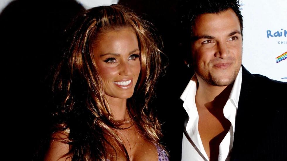 DEN GANG DA: I tre og et halvt år var Katie Price og Peter Andre gift, og sammen medvirket de i en rekke realityserier. Her er paret på en premiere i 2005. Foto: Pa Photos