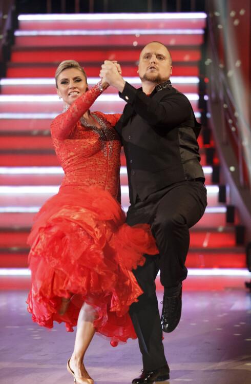 NY UTFORDRINGER: Stian danser sammen med Alexandra Kakurina i årets «Skal vi danse». Her er de i aksjon i årets første program. Foto: NTB scanpix