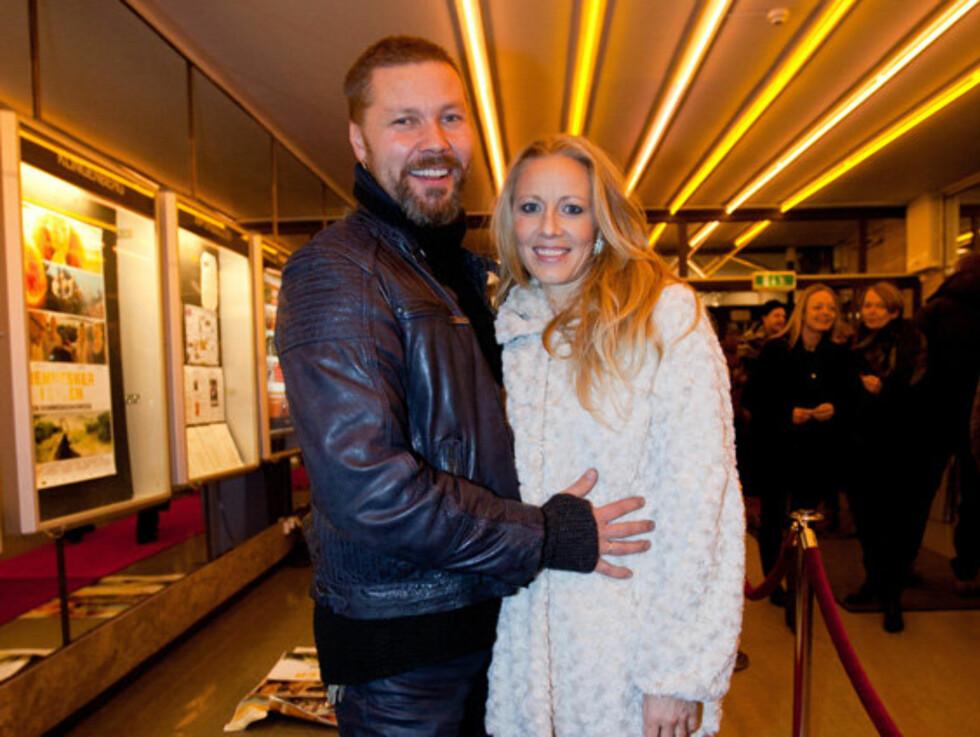 KONTROVERSIELL: Sølje Bergman og hennes mann Stig Henrik Hoff stod fast på sitt i vaksine-debatten. Foto: NTB Scanpix