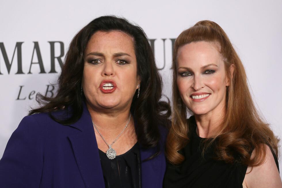 BRUDD: Våren 2015 ble det kjent at Rosie O Donnell og kona Michelle Rounds går fra hverandre etter omlag to års ekteskap. Her er de to sammen på Tony Awards i juni 2014.   Foto: Demotix