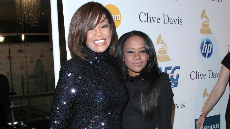 SAMME SKJEBNE: Whitney Houston og datteren Bobbi Kristina led samme skjebne.  Foto: NTB scanpix