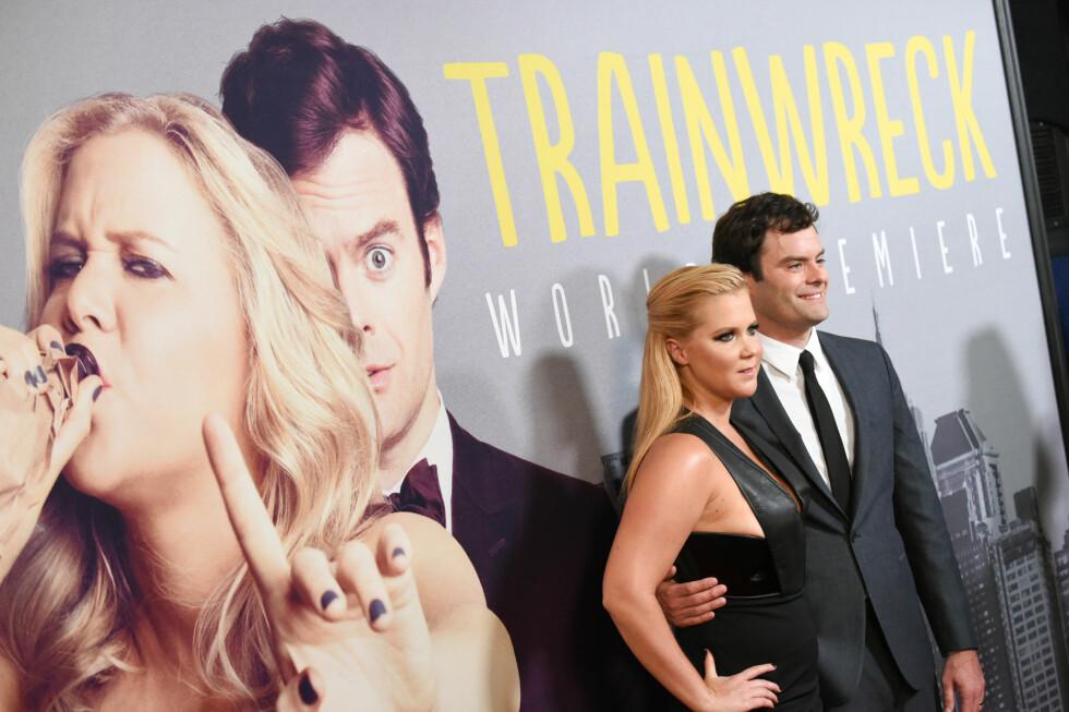 HOVEDROLLER: Amy Schumer og Bill Hader har hovedrollene i komedien «Trainwreck». Her fra verdenspremien i New York 14. juli. Foto: NTB Scanpix
