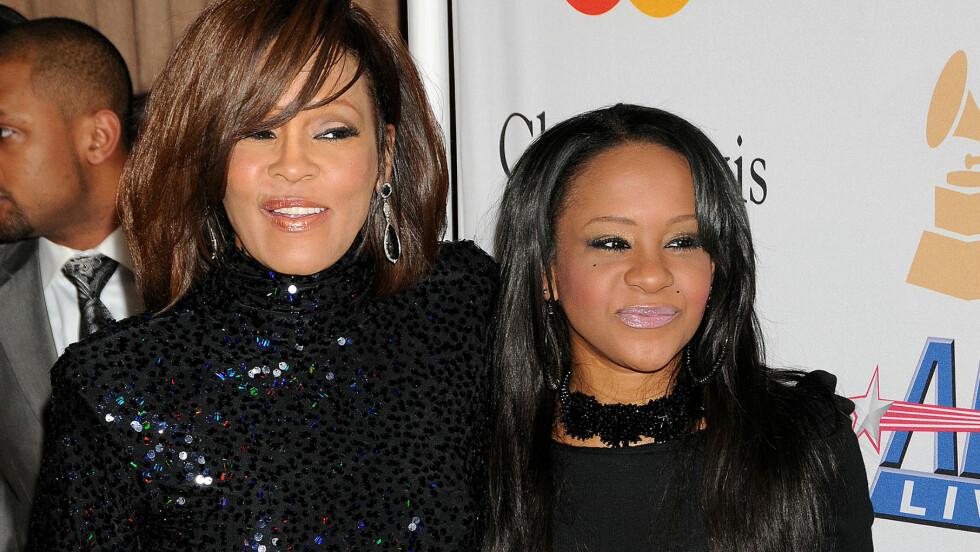 <strong>MOR OG DATTER:</strong> Bobbi Kristina skal ha slitt med store rusproblemer på samme måte som sin berømte mor Whitney Houston.  Foto: Broadimage