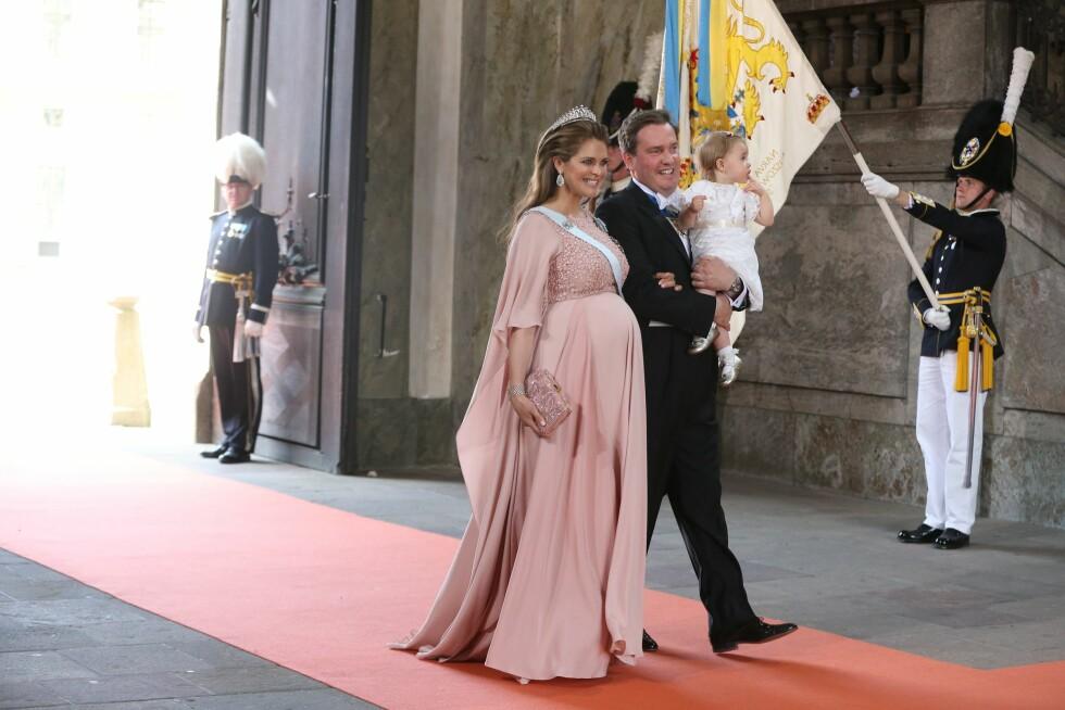 FAMILIE: Høygravide prinsesse Madeleine med ektemannen Christopher O´Neill og datteren prinsess Leonore. Foto: NTB Scanpix