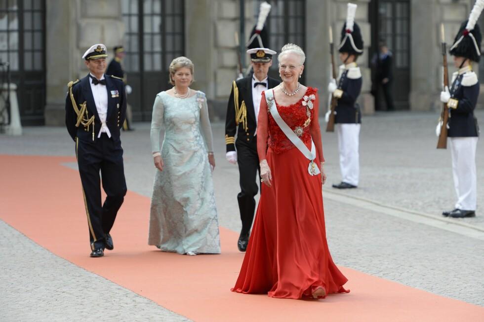 UTEN EKTEMANNEN: Danske dronning Margrethe matchet den røde løperen. Foto: NTB Scanpix
