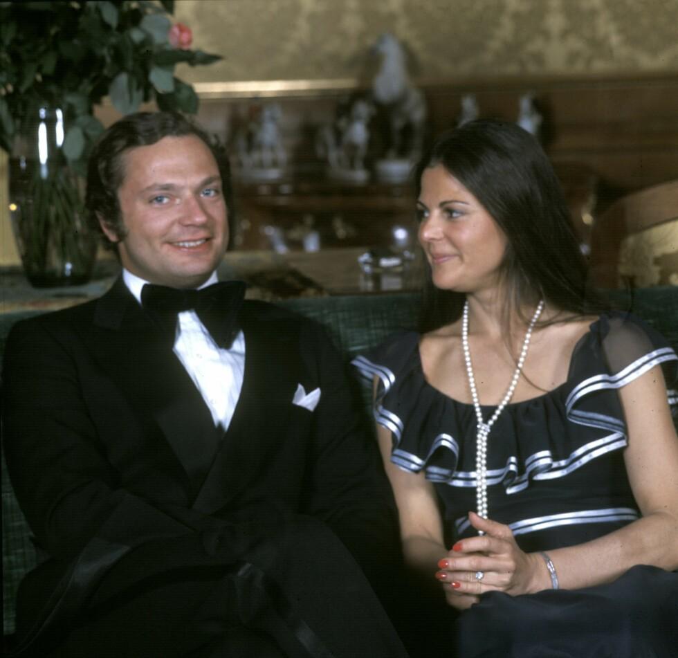 FORLOVET: Carl Gustaf og Silvia Sommerlath annonserte forlovelsen sin i mars 1976, drøye tre måneder før de giftet seg.  Foto: TT NYHETSBYRÅN