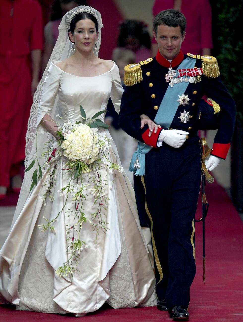 DANSK DESIGN: Mary valgte kjole fra danske Uffe Frank da hun giftet seg med kronprins Frederik. Foto: Stella Pictures