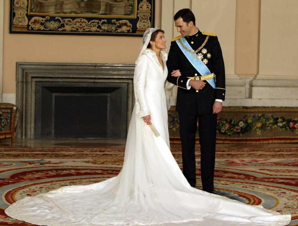 SPANSK: Designeren Manuel Pertegaz laget kronprinsesse Letizias spektekulære brudekjole. Foto: Stella Pictures