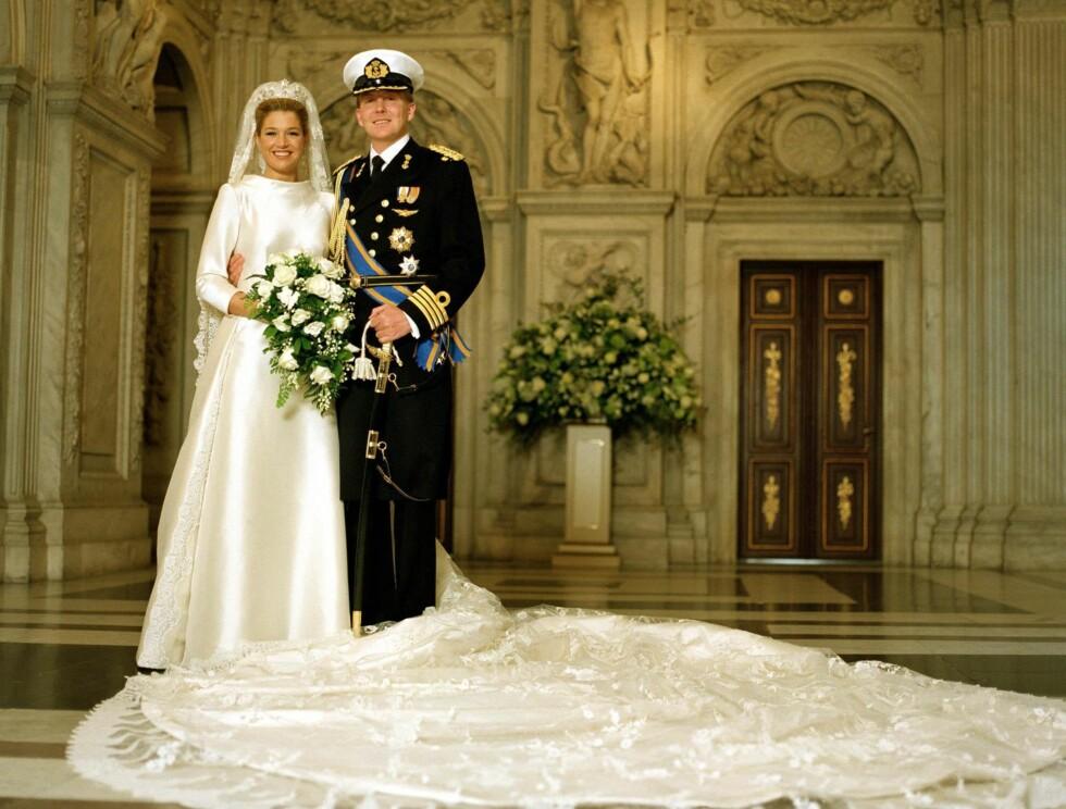 MAX SMEKKER: Dronning Máxima valte en brudekjole fra Valentino i mikado-silke. Foto: Stella Pictures