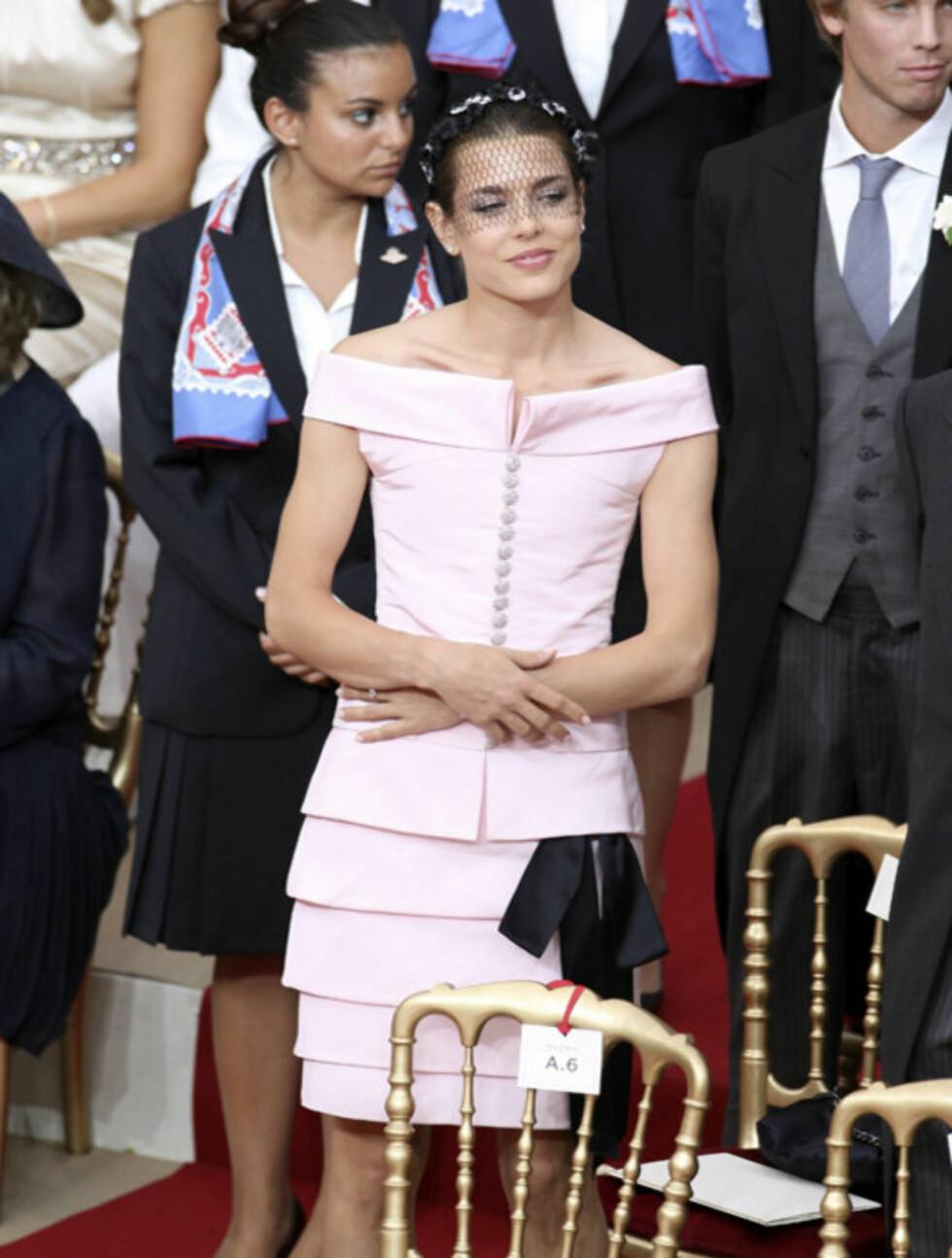 <strong>VAKKER:</strong> Prinsesse Charlotte Casiraghi var selvsagt til stede under den religiøse seremonien lørdag.  Foto: All Over Press/ABACAPRESS.COM
