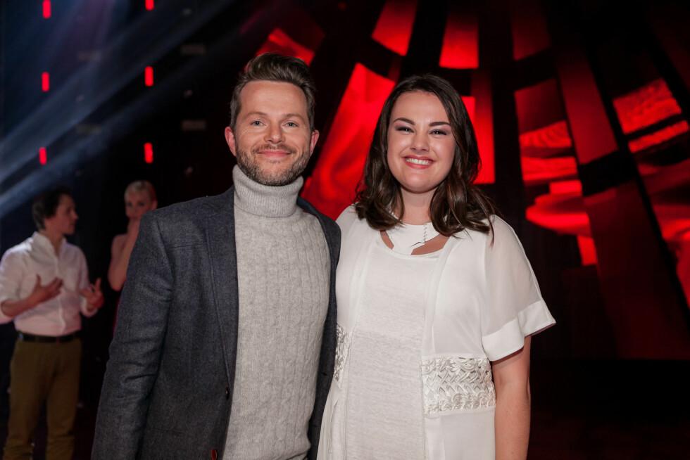 MENTOR: The Voice-vinner Yvonne Nordvik Sivertsen med sin mentor Espen Lind. Foto: Robert Dreier Holand, TV 2