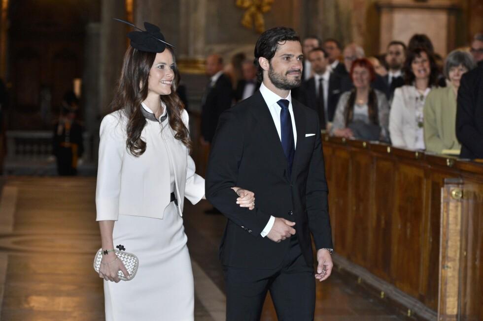 PENT PAR: Sofia og Carl Phillip ankommer lysningen. Foto: Scanpix