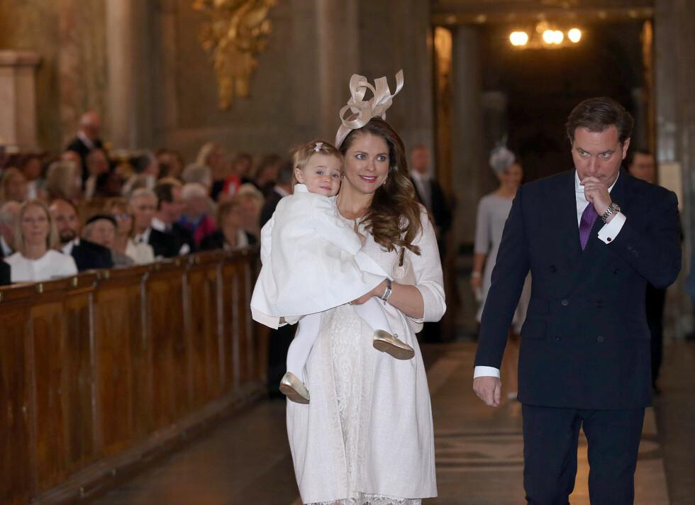 FAMILIE: Prinsesse Madeleine ankom sammen med ektemannen Christopher O'Neill og datteren prinsesse Leonore. Foto: Aftonbladet