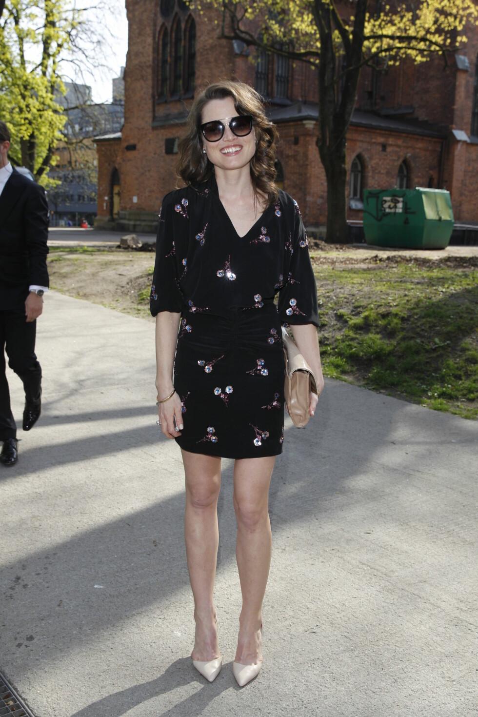 BLID: Skuespiller Gitte Witt hadde kledd seg for den solrike lørdagen. Foto: Andreas Fadum, Se og Hør