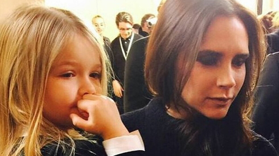 MOR OG DATTER: Victoria Beckham er selv en ordentlig jentejente, men avslører at Harper er en tomboy. Kanskje ikke så rart når hun har tre storebrødre å herje rundt med. Foto: NTBscanpix