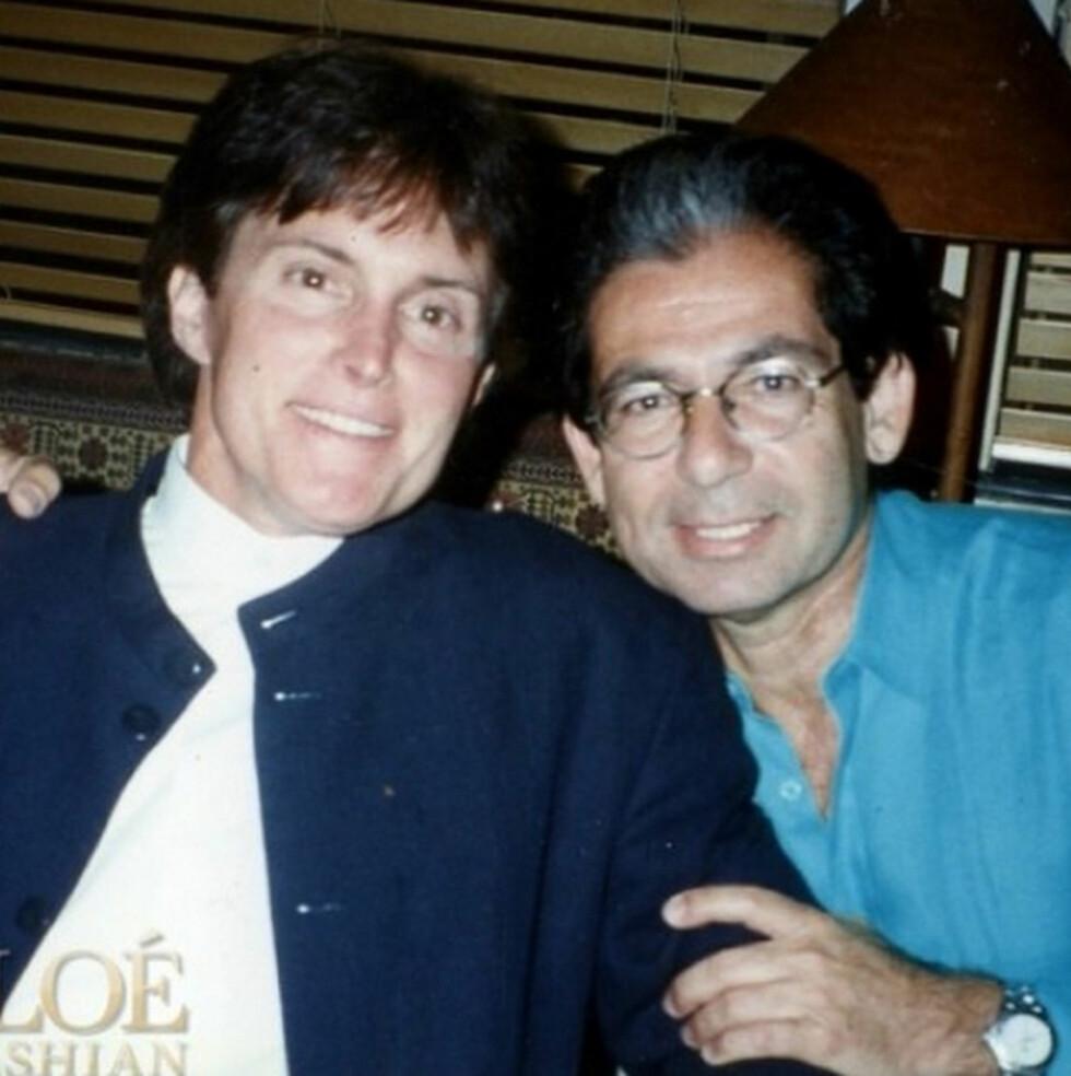 VENNER: Bruce Jenner og avdøde Robert Kardashian på 90-tallet.