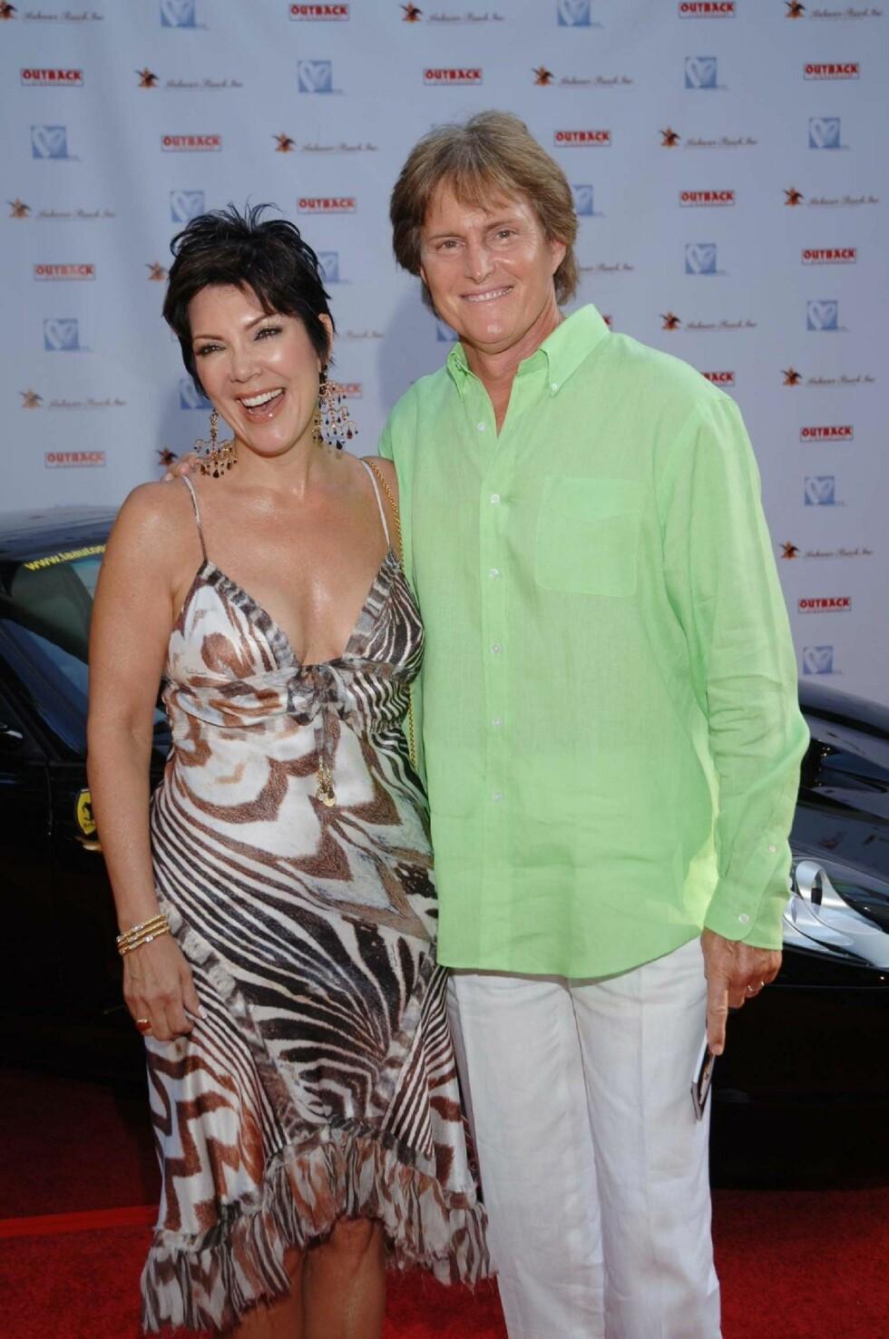EKSKONA: Bruce Jenner og hans daværende kone Kris Jenner på rød løper på slutten av 2000-tallet. Foto: NTB Scanpix