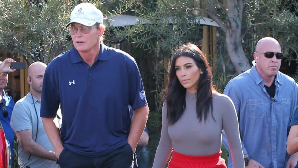 NÆRT FORHOLD: I sitt intervju med Diane Sawyer, sier Bruce Jenner at stedatteren Kim Kardashian er den som er lettest å snakke med om kjønnsskiftet. Foto: Scanpix