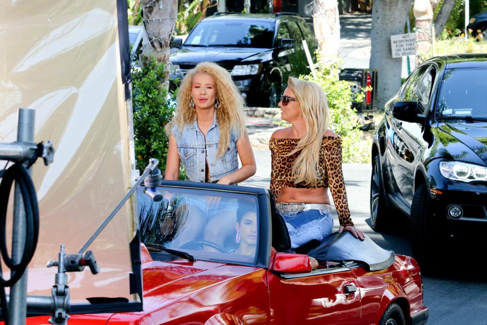 STJERNEDUO: Iggy Azalea og Britney Spears i aksjon på musikkvideoinnspillingen i Los Angeles denne uken. Foto: Wenn.com