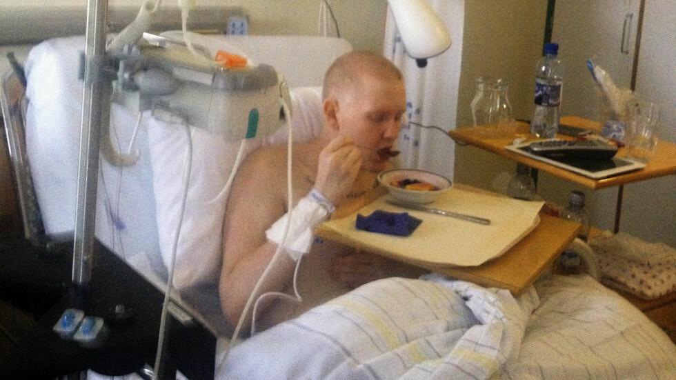 KJEMPET: Matias sloss ikke bare mot kreften. Han kjempet også for at alle andre pasienter med føflekkreft skulle få den samme medisinen som ham selv.  Foto: Privat