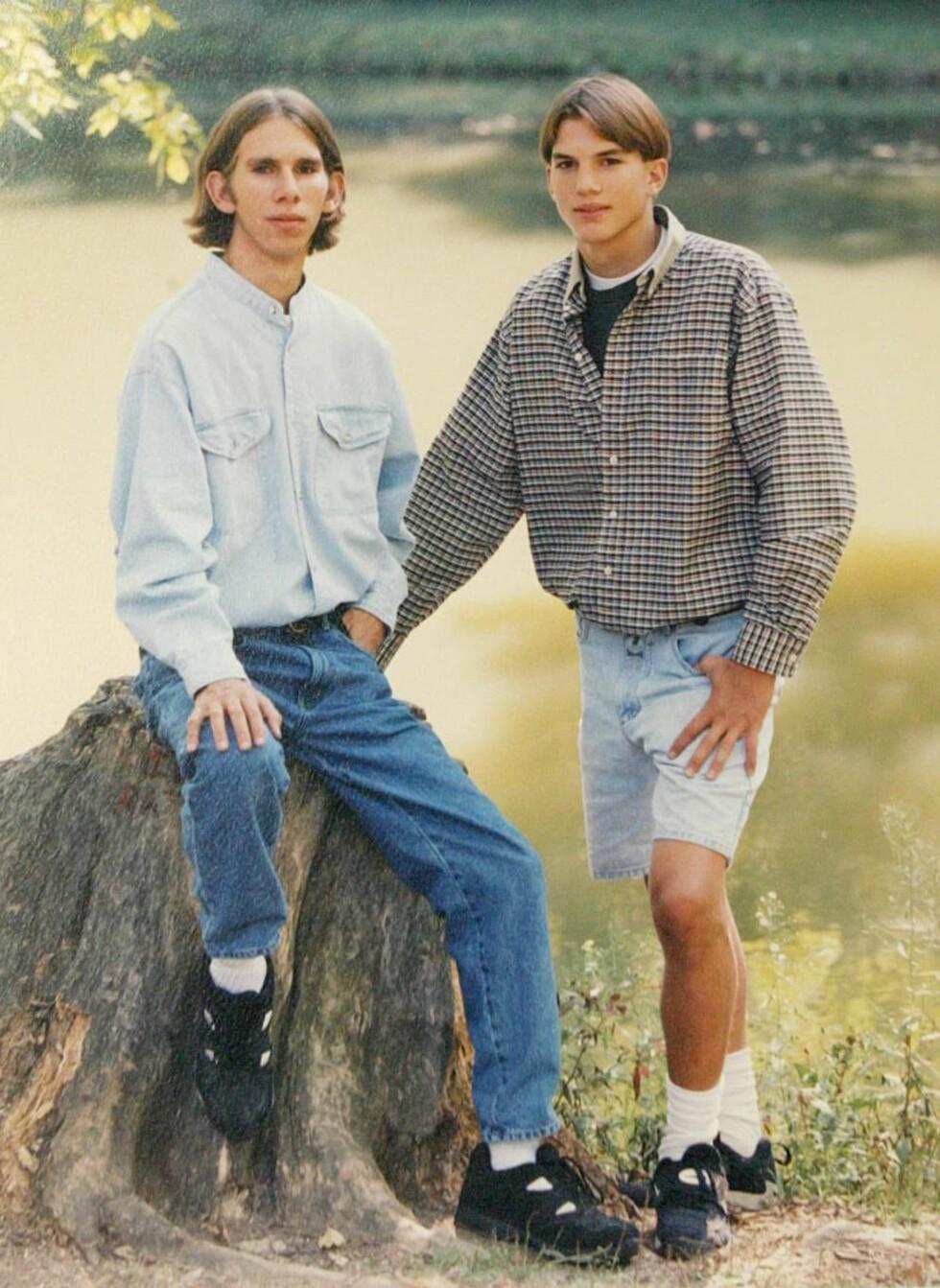 GODE VENNER: Ashton og Michael Kutcher avbildet i Iowa High School sin årbok.  Foto: Tom Vickers / Splash News/ All Over Press