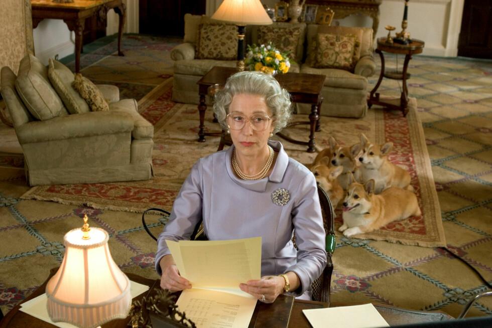 PRISBELØNT: Helen Mirren vant både en Oscar, en Golden Globe og en BAFTA for hovedrollen i «The Quuen» (bildet). Hos Jimmy Fallon mandag kveld, beviste stjernen at hun kan mer enn å spille aktverdige filmroller! Foto: ©Miramax/Everett Collection/All Over Press